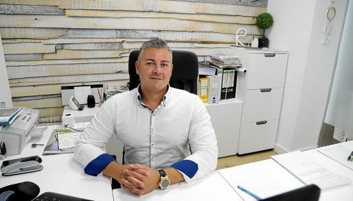Rogelio Calvo, gerente de la empresa, lleva más de 20 años especializado en el sector de la construcción.