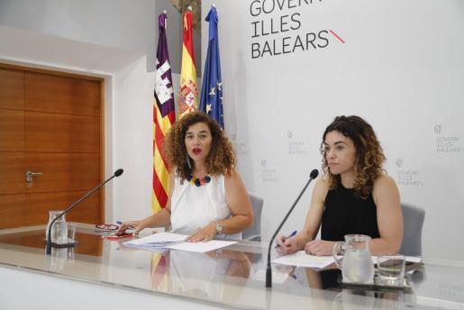 Pilar Costa y Rosario Sánchez, durante la rueda de prensa posterior al Consell de Govern.