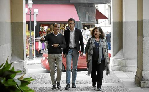 La imagen es de octubre 2018. Errejón, en el centro, todavía estaba en Podemos y acudió a apoyar la estrategia de Baleares.
