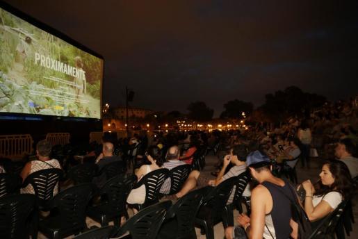 Imagen de la última edición de 'Cinema a la fresca' en el Parc de la Mar.