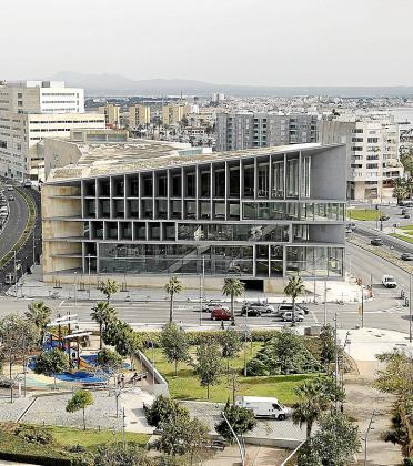 El Palacio de Congresos, una de las obras que generó deudas.