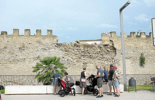 Imagen del tramo de la muralla sur de Alcúdia derrumbado en noviembre sin causar víctimas.