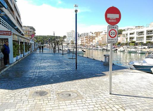 En los últimos años el núcleo costero ha sido objeto de importantes inversiones. Una de ellas ha sido la peatonización en la zona del Riuet que ha dado vida a los comerciantes y al sector de la restauración. Además se han modernizado otros espacios públicos.