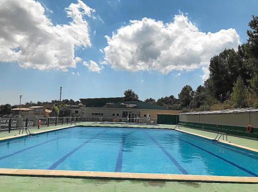 La piscina exterior de Lloseta, en una imagen reciente.