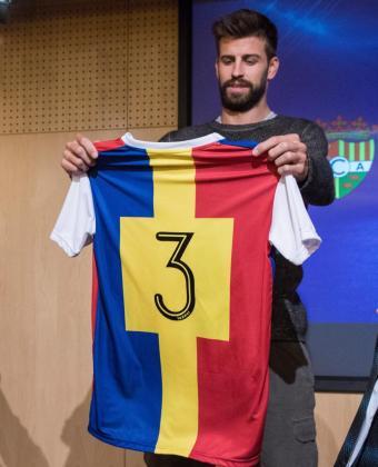 Gerard Piqué, jugador del Barcelona y fundador y presidente de la empresa Kosmos, durante una rueda de prensa para presentar el patrocinio de MoraBanc con el FC Andorra.