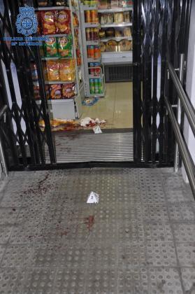 El detenido agredió a un hombre con una catana.