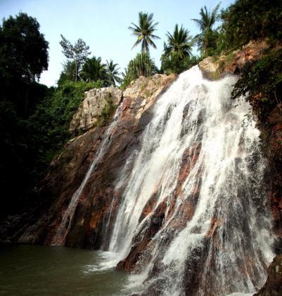 Vista de la cascada Na Meung, en la isla de Ko Samui, cercana a la de Na Meung 2, en la que se produjo el accidente de un turista español.