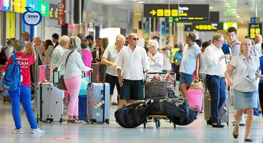 La cifra de llegada de turistas a los aeropuertos crece por el impacto del alquiler turístico vacacional extrahotelero.