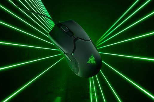 Golpea primero y fuerte con el nuevo ratón de Razer preparado para la más alta competición con sus switches ópticos, que triplican la rapidez de respuesta en partidas
