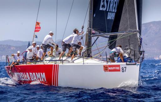 La flota del Estrella Damm durante una de las regatas de la 38 edición de la Copa del Rey Mapfre.