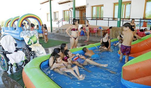 Niños con y sin discapacidad participan del campus inclusivo de verano de ASPACE.