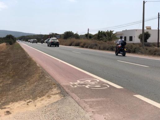 El accidente se produjo en el kilómetro 9,6 de la carretera que une Sant Ferran con el Pilar de la Mola.