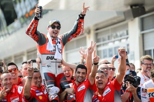 Jorge Lorenzo celebra su victoria del pasado año en Austria, con Ducati.