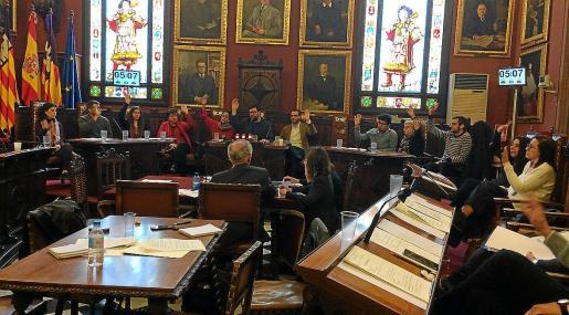 Imagen de archivo del Pacte en un pleno del Ajuntament de Palma celebrado durante el pasado mandato.