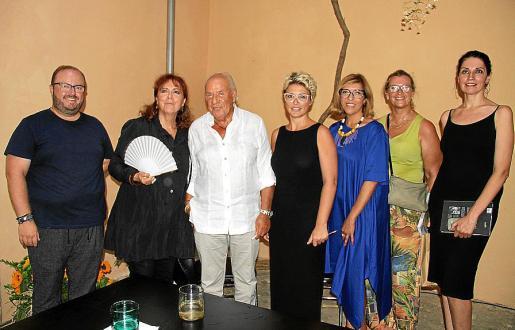 Tommy Ferragut, María del Mar Bonet, Pep Pinya, Raquel Agüeros, Gema Muñoz, Pilar Maldonado y Gema Marchena.