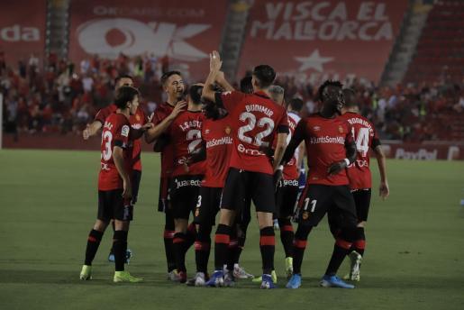 El Mallorca ha encontrado la estabilidad con Sarver y su equipo de trabajo y el club está, de nuevo, en el grupo de los «grandes» al que perteneció hasta 2013, en los quince años seguidos más fructíferos de su centenaria historia.