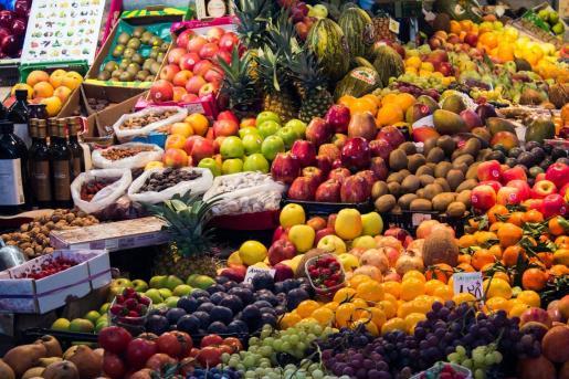 La dieta mediterránea es conocida por sus múltiples beneficios para la salud, donde una alimentación variada, con frutas y verduras como protagonistas, es la clave del éxito