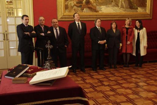 El equipo directivo de IB3, durante el acto.