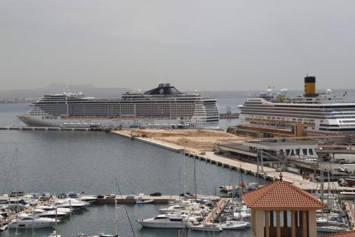Imagen de varios cruceros en Palma.