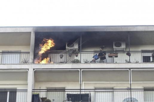 Incendio en un décimo piso del Paseo Marítimo de Palma.
