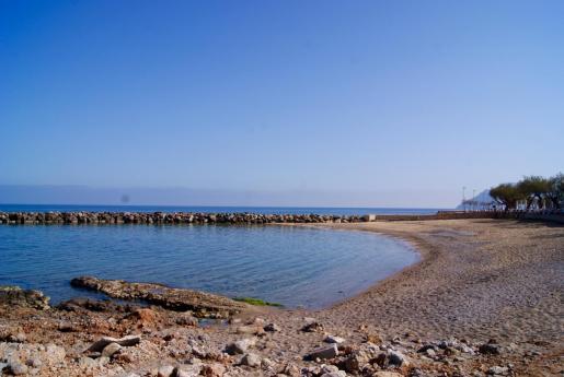 La playa de la Colònia de Sant Pere se ha adherido a la red de 'Playas sin humo' de Baleares.