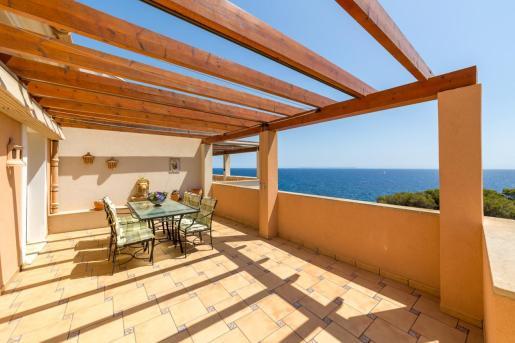 El ático que comercializa Azur Mallorca tiene unas impresionantes vistas del mar.