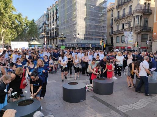 Homenaje a las víctimas del 17A en La Rambla de Barcelona.