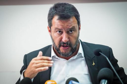 «Hago esto contra mi voluntad» y solo «porque me lo ha pedido el primer ministro», Giuseppe Conte, ha declarado Salvini .