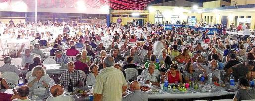 El Consell destaca que las fiestas populares son «un momento crítico» puesto que es el momento en que muchos jóvenes se inician en el consumo de alcohol.