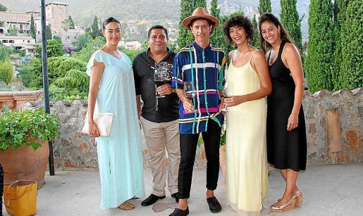 Alejandra Company, Miguel Ángel Prieto, Coti, Constanza y Fernanda Company.