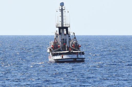 El Open Arms será trasladado hasta Palma con apoyo de un buque de la Armada española.