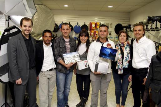De izda. a dcha. Carlos Ruano, Matías Rosselló, Javier Vallejo, Pilar Ruano, Gregorio Álvarez, Alejandra Murphy y Dani Ruano.
