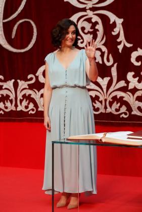 La presidenta de la Comunidad de Madrid, Isabel Díaz Ayuso, durante el acto de la toma de posesión de los consejeros.