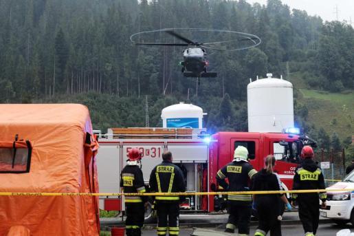 Equipos de rescate en la montaña de Tatra, en Polonia.