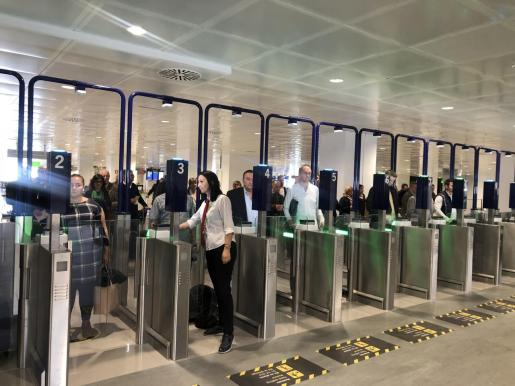 Aspecto del nuevo control de pasaportes en el aeropuerto de Son Sant Joan implantado el pasado mes de noviembre.