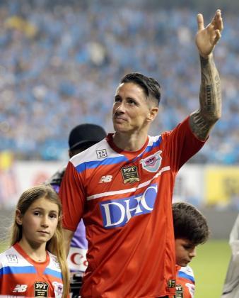 Fernando Torres en su despedida como futbolista profesional con el Sagan Tosu en el encuentro ante el Vissel Kobe. (Japón) EFE.