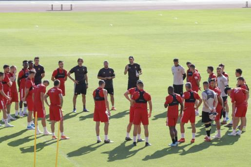 Imagen del último entrenamiento del Real Mallorca en Son Moix antes de enfrentarse este domingo a la Real Sociedad.