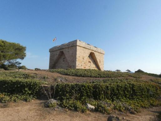Visitar la Punta de n'Amer es una de las propuestas de los recorridos.