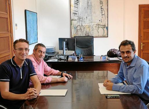 Marc López, José Antonio Fernández e Iván Sevillano, este lunes, durante la reunión.