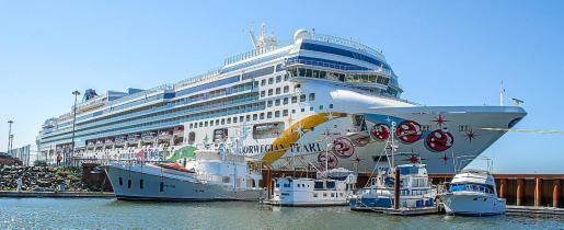 El viaje temático 'Runaway to Paradise' se celebra a bordo del crucero 'Norwegian Pearl'.