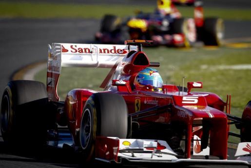 El piloto español Fernando Alonso (Scuderia Ferrari) en acción durante el Gran Premio de Australia.