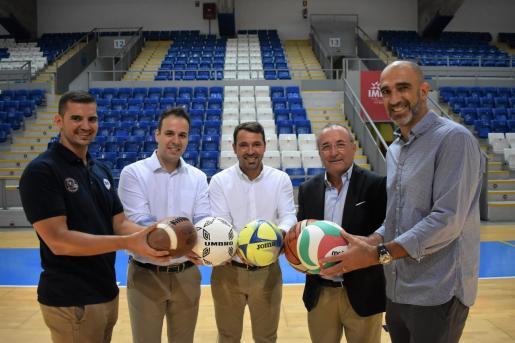 Los altos cargos de los clubes de Son Moix, por orden, Víctor Rodríguez, Román albarrán, José Tirado, Jordi Mulet y Marcos Dreyer.