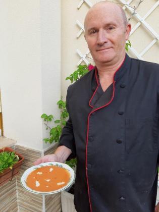 Bart Vanmarsnille presenta su receta: Gazpacho de tomate y sandía.
