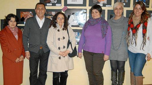 Francisca Monserrat, Jeroni Salom, Catalina Pons, Paula Moyà, Magdalena Moyà y Maria Antonia Caravaca.