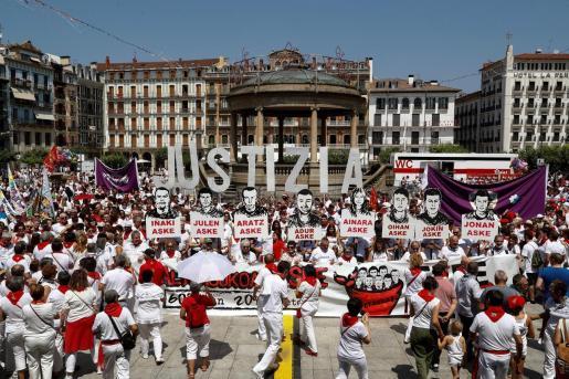 Imagen de archivo de una manifestación en Pamplona en favor de la libertad de los jóvenes de Alsasua encarcelados por agredir a dos guardias civiles y sus parejas.