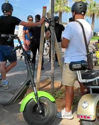 Las empresas afectadas trabajan en la Platja de Palma y este viernes mismo la Policía Local montó un dispositivo de control que les afectó.