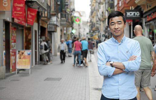 Fang Ji afirma que los que viajan a China «quedan bloqueados en Hong Kong».