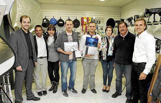 Carlos Ruano, Matíes Rosselló, Pilar Ruano, los ganadores Javier Vallejo y Gregorio Álvarez, Alejandra Murphy, Joan Torres y Dani Ruano.
