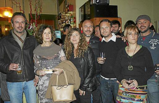 Micki Antón, Dolores Martínez, Xisca García, Perico Artigues, Gori Vicens, Aina Peña y Antonio González.