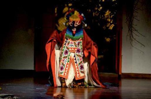 Teatrapo Teatro presenta 'Antígona' en el Festival s'Illo de Sa Talaia